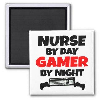Enfermera por videojugador del día por noche imán cuadrado