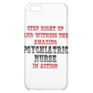 Enfermera psiquiátrica asombrosa en la acción