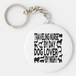 Enfermera que viaja del amante del perro llavero redondo tipo pin