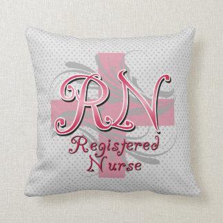 Enfermera registradoa, remolinos rosados de la cru almohada