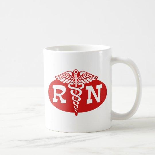 Enfermera registradoa taza de café