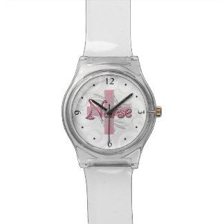 Enfermera rosada de la cruz/del remolino relojes de pulsera