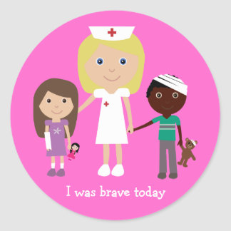 Enfermera y los niños lindos del dibujo animado pegatina redonda