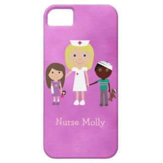 Enfermera y niños pediátricos lindos púrpuras iPhone 5 funda
