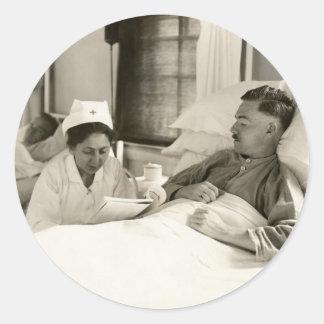 Enfermera y soldado de WWI Pegatina Redonda