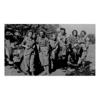 Enfermeras al lado del jeep WWII Tarjetas De Visita
