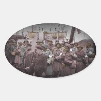 Enfermeras del afroamericano en la nave pegatina ovalada