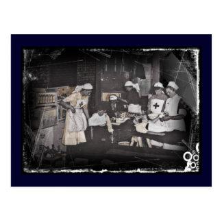 Enfermeras del niño del soldado en la estación de postal