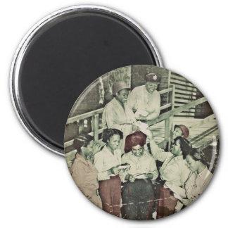 Enfermeras en el correo que consigue pacífico del  iman de nevera