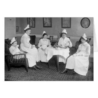 Enfermeras en el té, 1900s tempranos tarjeta de felicitación