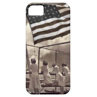 Enfermeras que miran una isla 1945 iPhone 5 coberturas