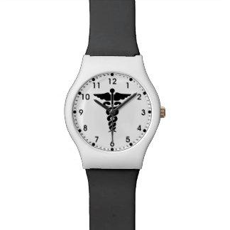 Enfermeras y doctores médicos del símbolo relojes