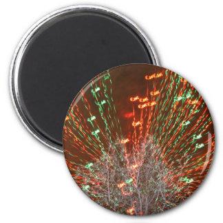 Enfoque de las luces de navidad del árbol de Live  Imán Redondo 5 Cm