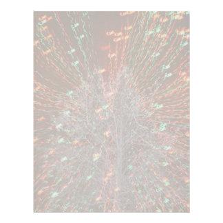 Enfoque de las luces de navidad del árbol de Live  Membrete