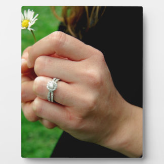 Engagement ring with Daisy Plaque