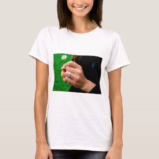 Engagement ring with Daisy T-Shirt