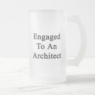 Enganchado a un arquitecto taza de cristal