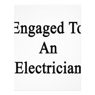 Enganchado a un electricista membretes personalizados