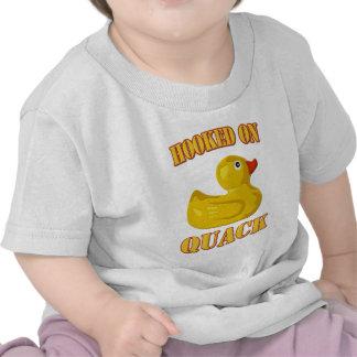 Enganchado en curandero camiseta