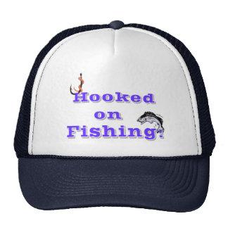 Enganchado en la pesca gorros