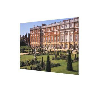 England, Surrey, Hampton Court Palace. Canvas Print