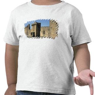 England, Sussex, Bodiam Castle. Tee Shirt