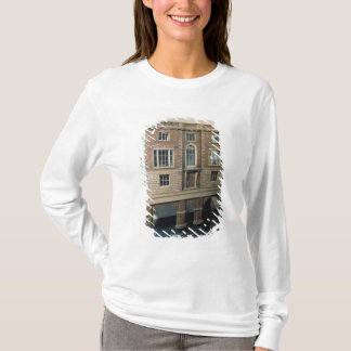 English balustraded doll's house with balcony T-Shirt