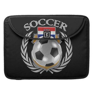 Engranaje de la fan del fútbol 2016 de Croacia Fundas Macbook Pro