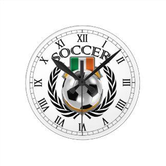 Engranaje de la fan del fútbol 2016 de Irlanda Reloj Redondo Mediano