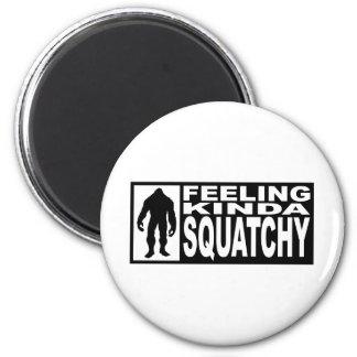 Engranaje de Squatchy de la sensación - encontrar  Imán Redondo 5 Cm