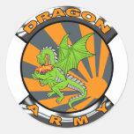 Engranaje del ejército del dragón pegatina redonda