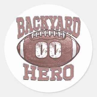 Engranaje del fútbol del héroe del patio trasero pegatina redonda