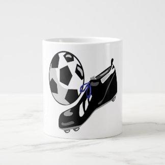 Engranaje del fútbol taza grande