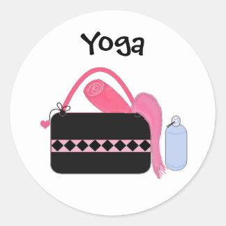 Engranaje lindo de la yoga etiqueta