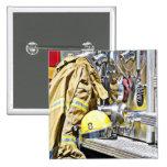 Engranaje y coche de bomberos del bombero de HDR Pin