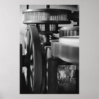 engranajes girantes del molino de viento del b&w póster