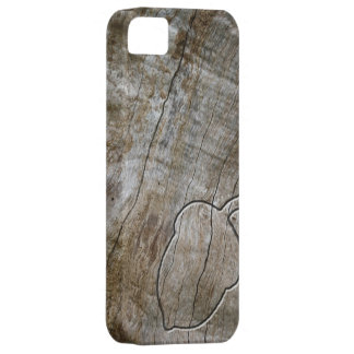 Engraved effect acorn on wood iPhone 5 cases