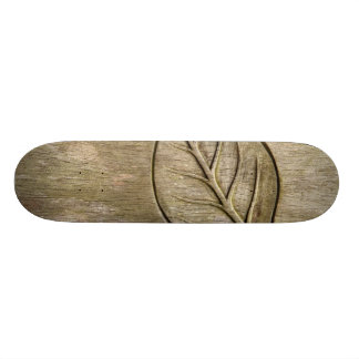 Engraved leaf skateboard