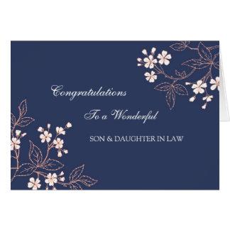 Enhorabuena del boda del hijo y de la nuera azul tarjeta de felicitación
