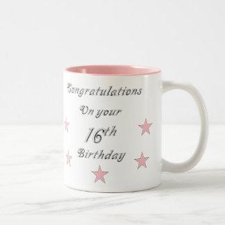 Enhorabuena en su décimosexto taza del cumpleaños
