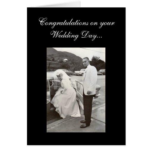 Enhorabuena en su día de boda… tarjeta de felicitación