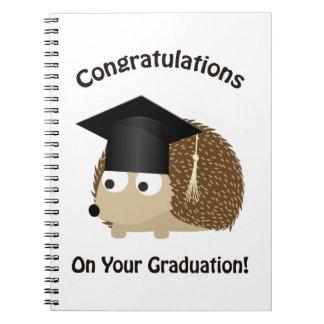 Enhorabuena en su erizo de la graduación spiral notebooks