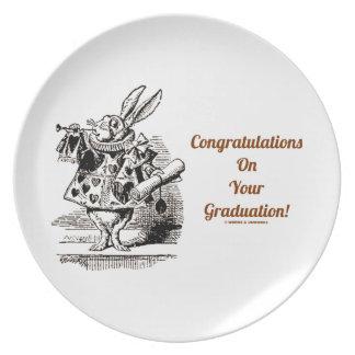¡Enhorabuena en su graduación! (Conejo blanco) Plato