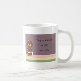 Enhorabuena en su nueva taza del bebé