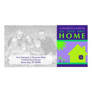 enhorabuena en su primer casero (formas púrpuras) tarjetas fotográficas personalizadas