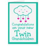 Enhorabuena en su tarjeta gemela de los nietos