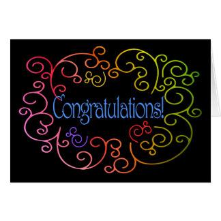 Enhorabuena/éxito - el arco iris remolina en negro tarjeta de felicitación