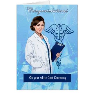 Enhorabuena para la ceremonia blanca de la capa tarjeta pequeña