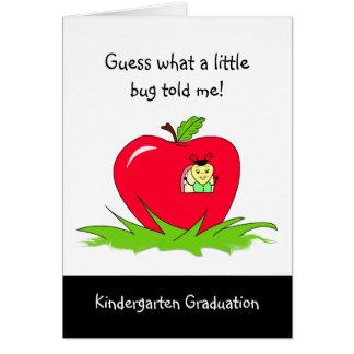 Enhorabuena roja graduada de Apple de la guardería Tarjeta De Felicitación