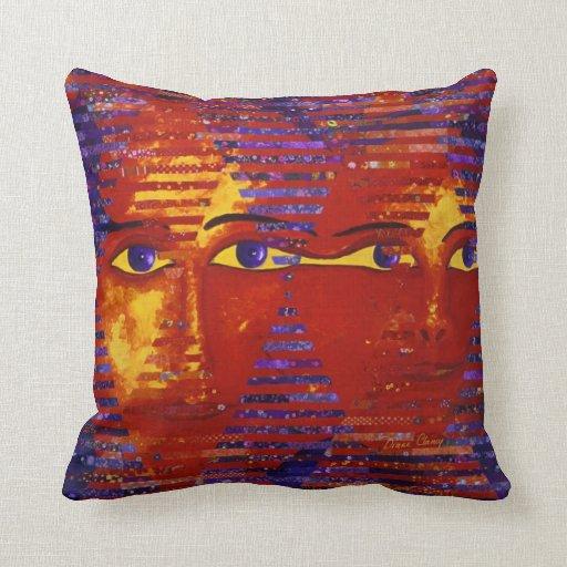 Enigma III - Diosa púrpura y anaranjada abstracta Cojín